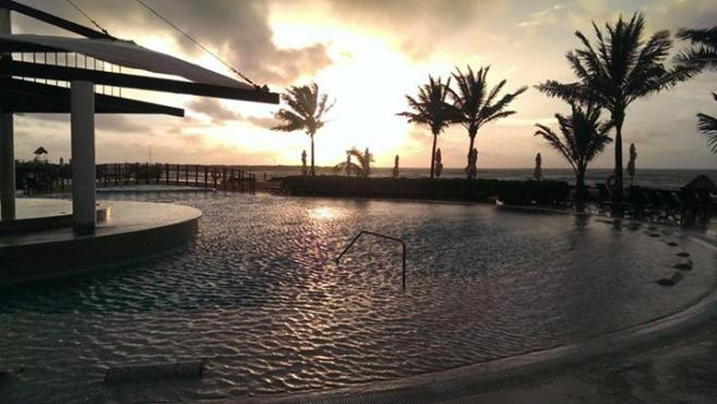 This stunning photo of our infinity pool was taken by Benjamin at Now Jade Riviera Cancun.