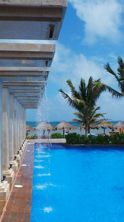 The pool is as blue as the sky at Now Sapphire Riviera Cancun! Special thanks to Debbie for sending this one our way!