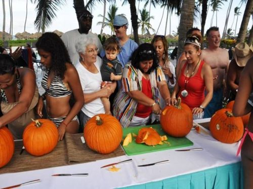 Now Larimar guests put their jack-o-lantern carving skills to the test!